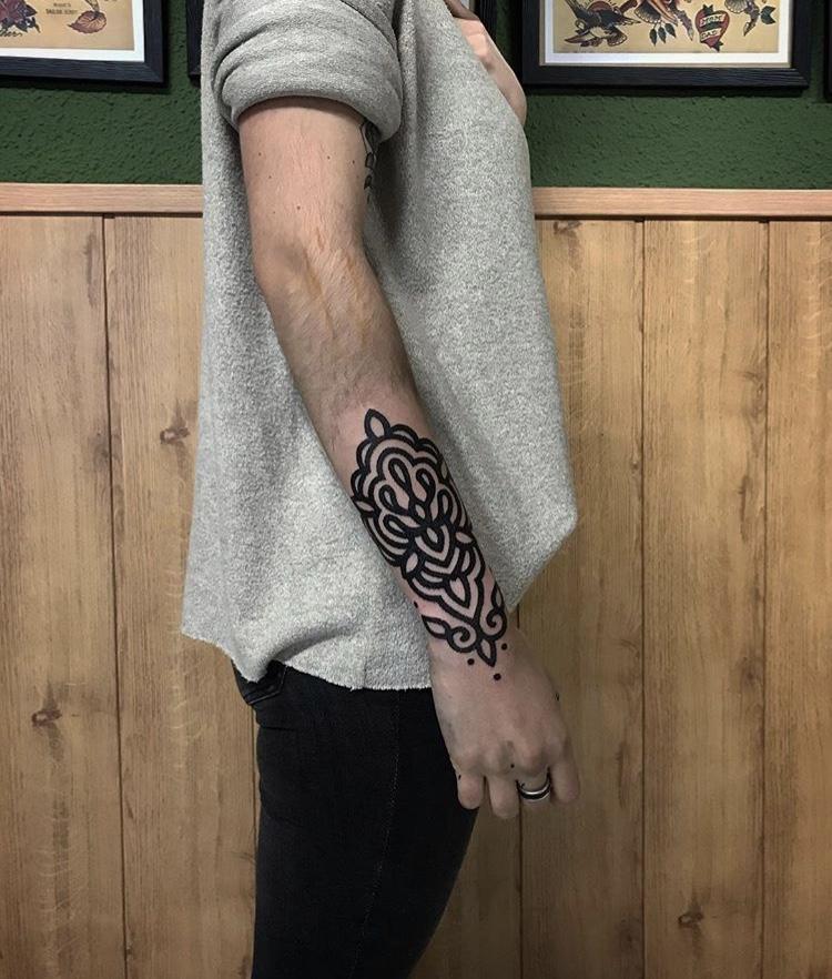 tatuaje-geometrico-en-pamplona7