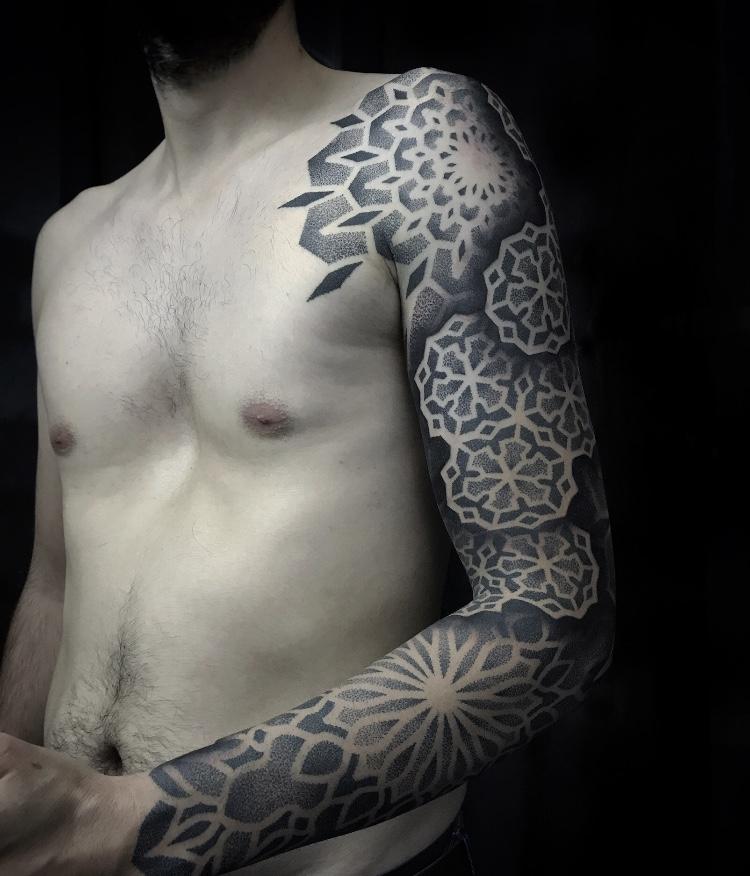 tatuaje-geometrico-en-pamplona9