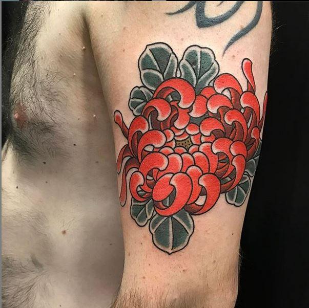tattoo-japones-pamplona-crisantemo
